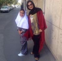 عکس لیندا کیانی و خواهرزاده اش