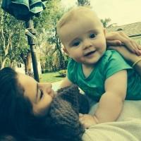 عکس سلنا گومز با بچه