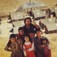 عکس بهرام رادان و کودکان کار