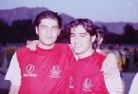 عکس قدیمی شهاب حسینی و سام درخشانی با لباس پرسپولیس
