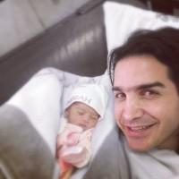 عکس محسن یگانه با دخترش