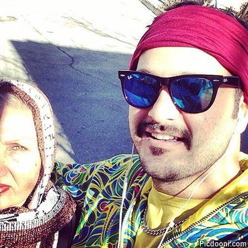 عکس میلاد کی مرام با مادرش