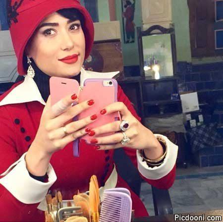 عکس سلفی پریناز ایزدیار با گریم سریال شهرزاد