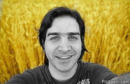 عکس سلفی محسن یگانه در گندم زار