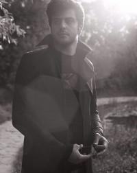 عکس سیاه و سفید از علی ضیا