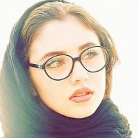 عکس حدیث مدنی با عینک