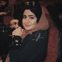 عکس فاطیما بهارمست در خیریه لبخند