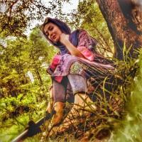 عکس مریم معصومی در جنگل