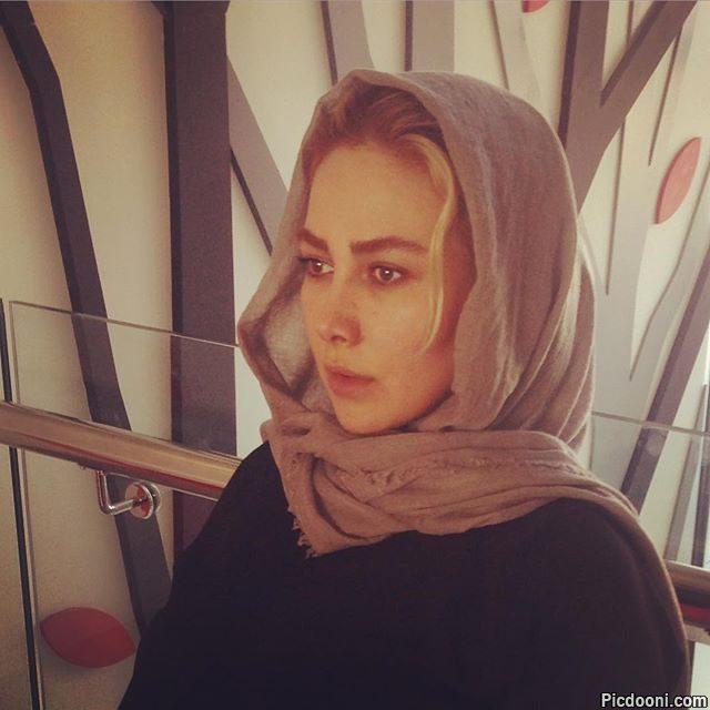 عکس آنا نعمتی در پشت صحنه فیلم ماحی