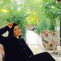 عکس الناز حبیبی در خونه باغ