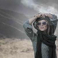 عکس الناز حبیبی با عینک