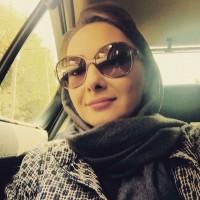 عکس سلفی هانیه توسلی در ماشین