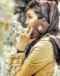 عکس مریم معصومی با موبایل خرسی