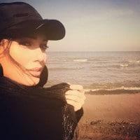 عکس شهرزاد کمال زاده در کنار دریا
