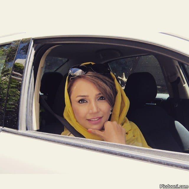 عکس شبنم قلی خانی در ماشین