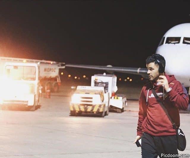 عکس سیروان خسروی در فرودگاه