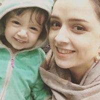 عکس سلفی ترانه علیدوستی با دخترش