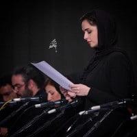 عکس ترانه علیدوستی در نمایشنامه خوانی