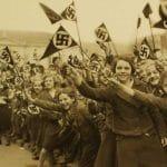 شادی دختران آلمانی در پیشواز پیشوا!