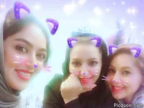 فریبا طالبی و دوستان با سبیل گربهای