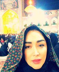 عکس چادری سارا منجزی در مشهد