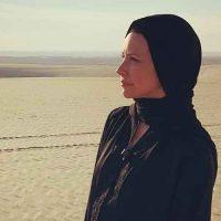 عکس با حجاب اوانجلین لیلی بازیگر کانادایی