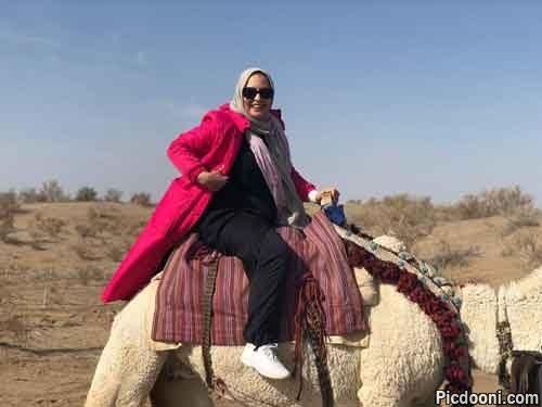 نرگس محمدی سوار بر شتر